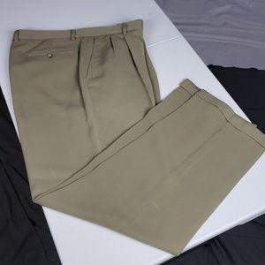Men's Claiborne Lightweight Dress Pants 38